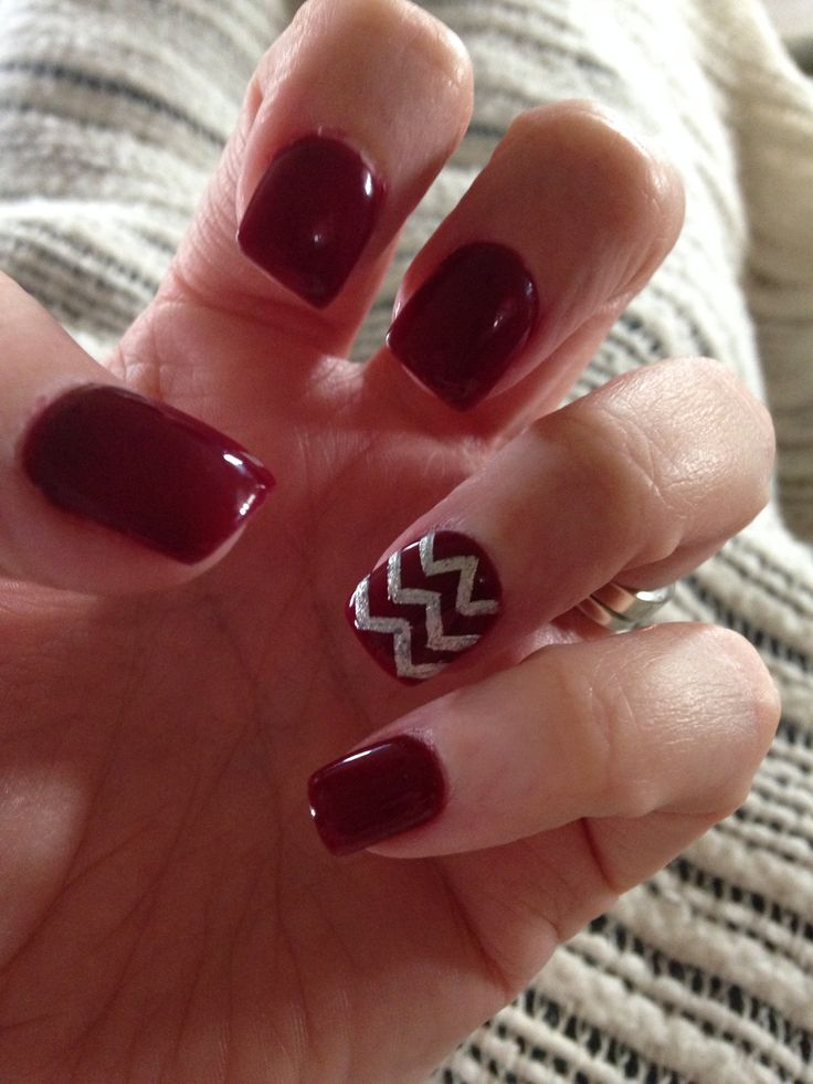 Maroon & silver chevron nails. Aggie nails. Texas A&M nails game day