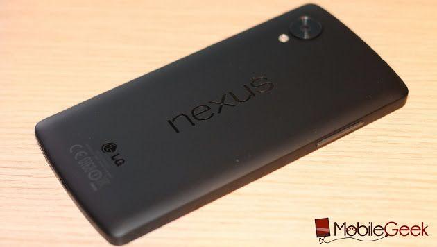 Se dovete comprare un Nexus 5, compratelo online.