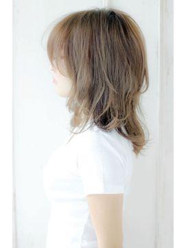 無造作姫カットミルクティーカラーネオウルフ☆ハイレイヤー/ALICe by afloat 【アリスバイアフロート】をご紹介。2017年春の最新ヘアスタイルを100万点以上掲載!ミディアム、ショート、ボブなど豊富な条件でヘアスタイル・髪型・アレンジをチェック。