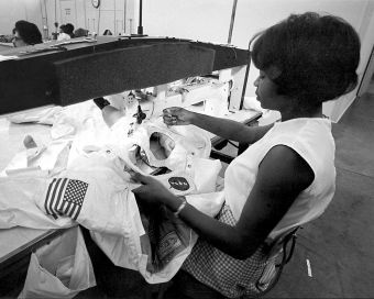 """""""What Put Men on the Moon? Crucially, Needle and Thread."""" Hazel Fellows working on an Apollo mission space suit. Photo from  Spacesuit: Fashioning Apollo by Nicholas de Monchaux.Fashion Apollo, Spaces Suits, Beautiful Random, Hazel Fellows, Apollo Mission, De Monchaux, Mission Spaces, Earth Science, Fellows Work"""