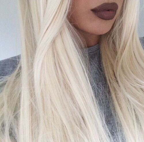 Image via We Heart It #adorable #beauty #blonde #blondehair #darkmakeup #fashion #hair #hairstyle #inspiration #pink #quality #style #tumblr #tumblrhair #tumblrblonde