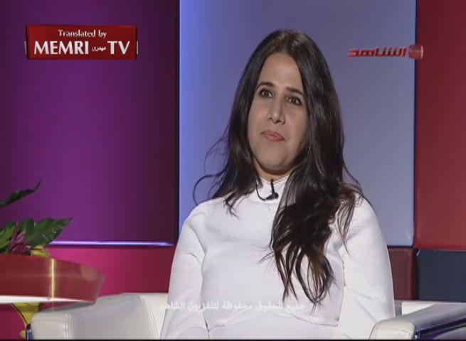 """In una intervista televisiva Sheikha al-Jassem ha affermato che la Costituzione vale più del Corano e della sharia nel regolare la vita dei cittadini. La fazione estremista islamica in Parlamento ha denunciato la donna per danni """"psicologici"""". Al pubblico ministero la decisione di andare a processo. In caso di condanna rischia un anno di prigione."""