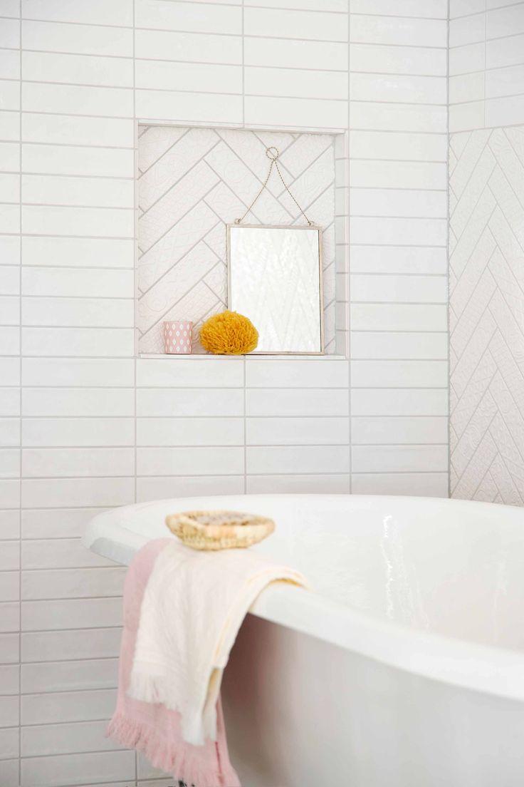 Het vrijstaande bad geeft een gevoel van luxe.