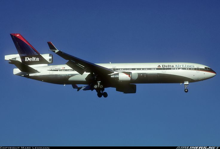 McDonnell Douglas MD-11, Delta Air Lines, N808DE, cn 48479/536, 269 passengers, first flight 3/1993, Delta delivered 10/1993. Foto: Frankfurt, Germany, 12.1.2001.