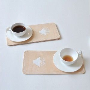 2 BREAKFAST MOOD plates. Designed by Julie Gaillard. Available on www.darwinshome.com