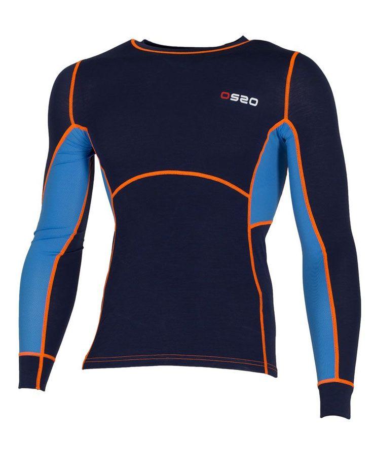 Camiseta aeróbica elastica, confeccionada en lana merino y poliéster altamente transpirable. Secado ultra-rápido.