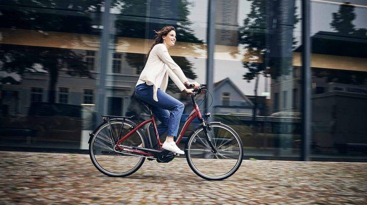 NIEZWYKLE UDANE POŁĄCZENIE Miejski rower Kreidler Vitality Eco 6 to jeden z najbardziej zaawansowanych jednośladów z asystą elektryczną, które można znaleźć na polskim rynku. Efekt ten został osiągnięty m. in. dzięki bardzo wydajnemu systemowi wspomagania marki Bosch. Za wsparcie rowerzysty (do prędkości 25 km/h) odpowiada w tym przypadku system asysty elektrycznej Bosch – ceniona jednostka Active Cruise oraz komputer pokładowy Intuvia. Więcej: bit.ly/2aSfrpP