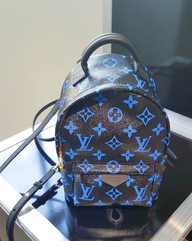 """""""Can't stop thinking about Louis Vuitton palm spring mini backpack or crossbody bag @louisvuitton  #mini #LVbackpacknano #LouisVuitton"""