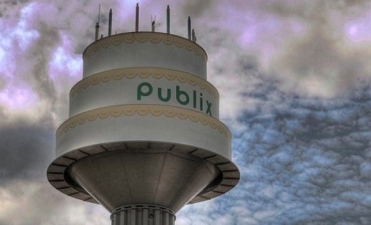 Publix-birthday-cake-water-tower-51e753694203c36959002392