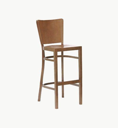 Barstol i trä, finns flera olika färger att välja på. Som tillval går det även att få klädd sits. Ingår i en serie med stolar och karmstolar. Barstolen är tillverkad i trä med bets samt med ett sittskal som är stoppat/klätt. Stolen väger 6,1 kg som är lite för en barstol. Tyg Lido 100 % polyester, brandklassad. Tyg Luxury, 100 % polyester, brandklassad. Konstläder Pisa, brandklassad, 88,5% PVC, 11,5% polyester.