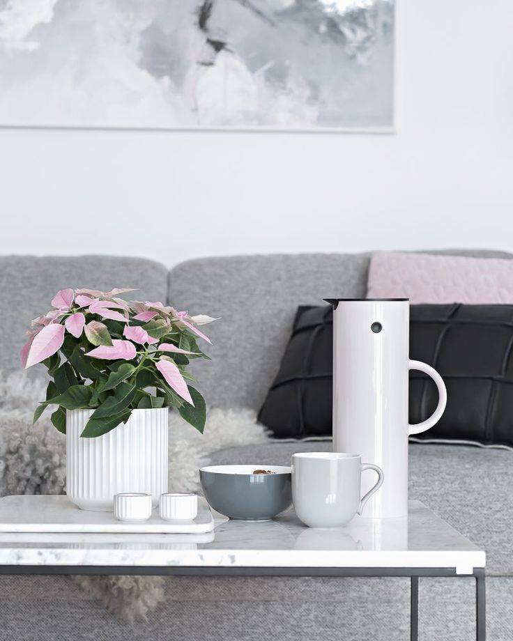 Pink Friday. Flowers and stelton EM77