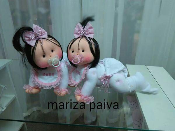 Mariza Paiva's cloth babies.
