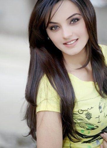 Pakistani Model Sadia Khan
