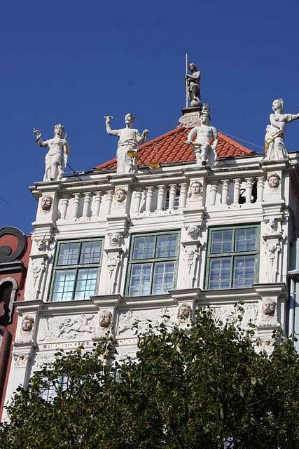 Everyone should have some statues on their roof. Gdansk, Poland.]  photo by Morgan Thomas, Sept. 2012
