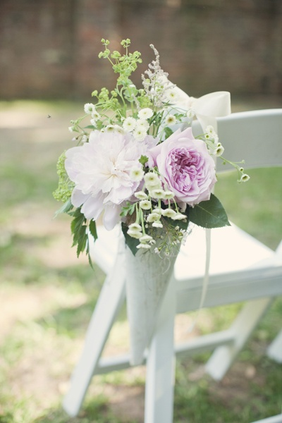pew marker, love this idea with different flowers!