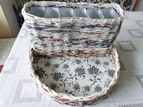 Univerzális tároló. Papírfonással, saját munka/Paper weaving, my own work
