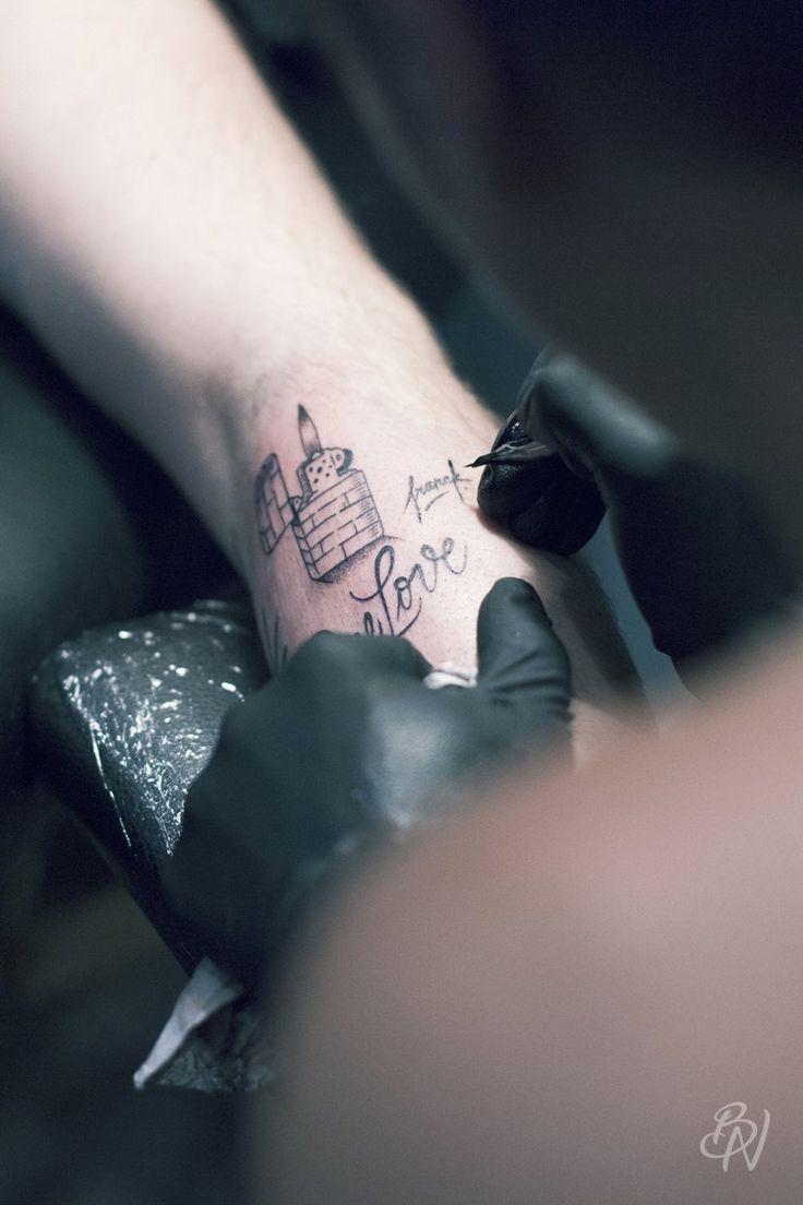 bleu-noir-paris-tattoo-art-shop-sacre-cœur-walkin-flash-supakitch-franck-pellegrino-violette-doberman-21