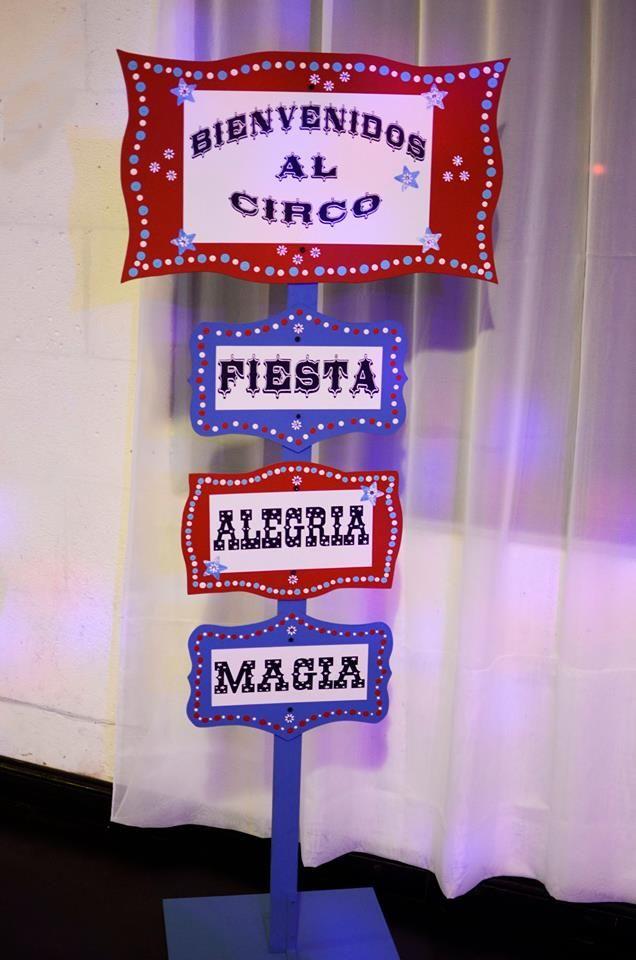 cartel indicador fiesta ambientada en circo