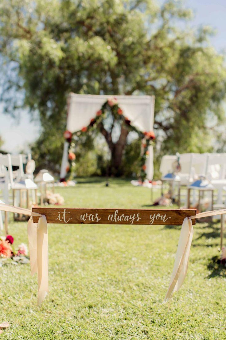 Es war Sie immer: Hochzeit Zeichen | Zeremonie Zeichen | Gang-Zeichen | Kalligraphie-Hochzeit-Zeichen | Holz-Signage | Willkommensschild von pineandsea auf Etsy https://www.etsy.com/de/listing/218224483/es-war-sie-immer-hochzeit-zeichen
