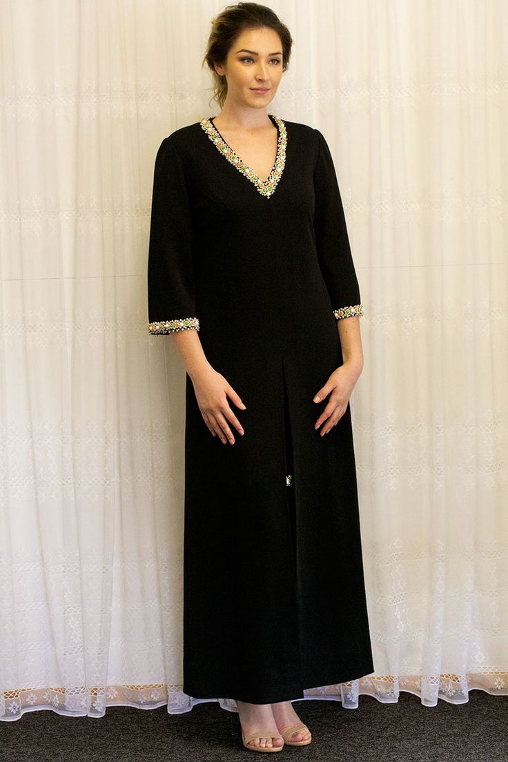 Miss Hartnell of Melbourne Gown in the Mooshimode Boutique