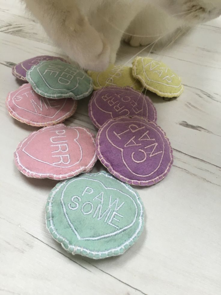 Freak Meowt, Handmade Unique Canadian Catnip Love Hearts Cool cat toys Gifts for Cats by FreakMEOWt on Etsy https://www.etsy.com/listing/275554682/freak-meowt-handmade-unique-canadian