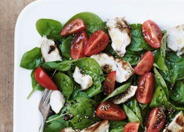 Spinatsalat med kylling og ingefær-dressing | Femina