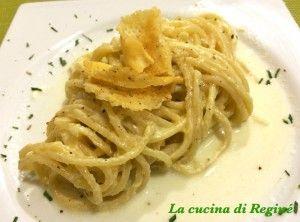 #Spaghetti cacio, pepe e crema di patate# La cucina di Reginé.