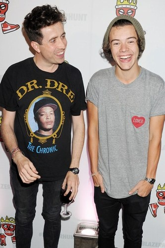 We'd love to hang out with celebrity best mates Nick Grimshaw and Harry Styles