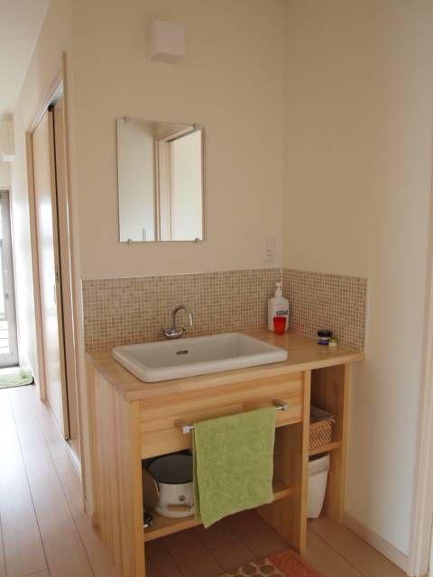 造作洗面台と洗面ボウル - 小さな平屋で笑って暮らそう