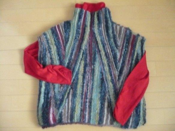 ***ONE and ONLY レディースベスト V***引き返し編みをご存知ですか?肩下がりを編むときに使う方法です。1本の毛糸に、赤・グレー・茶・黄などの...|ハンドメイド、手作り、手仕事品の通販・販売・購入ならCreema。