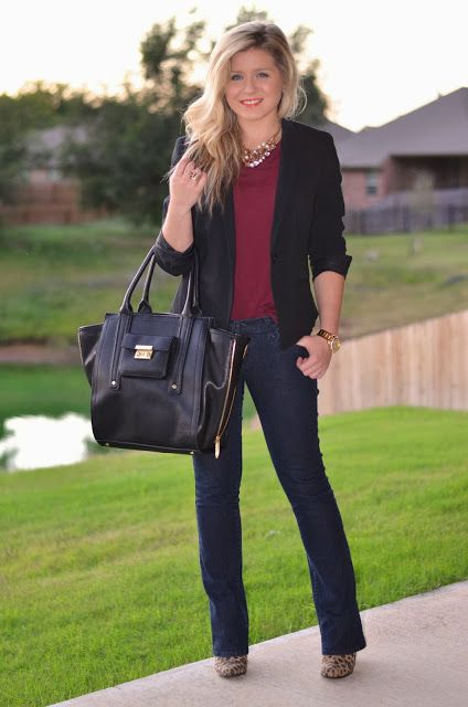 business casual || blazer, tee, statement necklace, bootcut jeans, tote bag, ankle boots