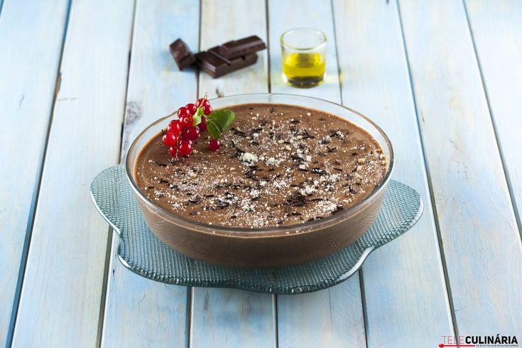 Receita de Mousse de chocolate com azeite. Descubra como cozinhar Mousse de chocolate com azeite de maneira prática e deliciosa com a Teleculinária!