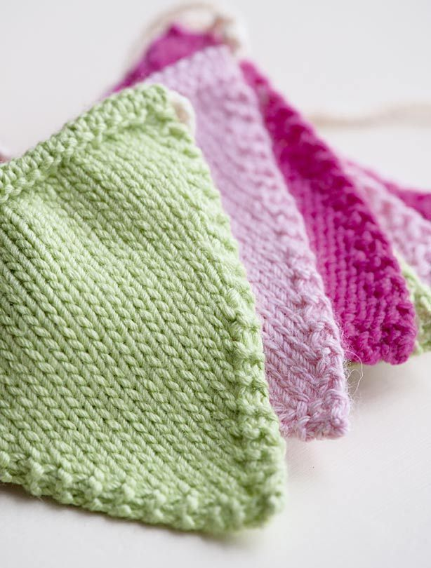 http://www.goodtoknow.co.uk/family/540120/knitted-bunting-pattern