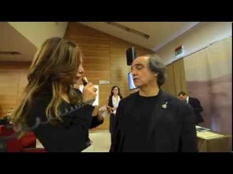 Nicole Cappa intervista il Gastronauta, durante l'Asta Mondiale del Tartufo Bianco d'Alba, Davide Paolini. Davide Paolini è l'ideatore di quest'asta che da 15 anni che serve a finanziare progetti a fine benefico. Tutto questo si svolge all'interno del Castello di Grinzane Cavour in collegamento da Hong Kong.