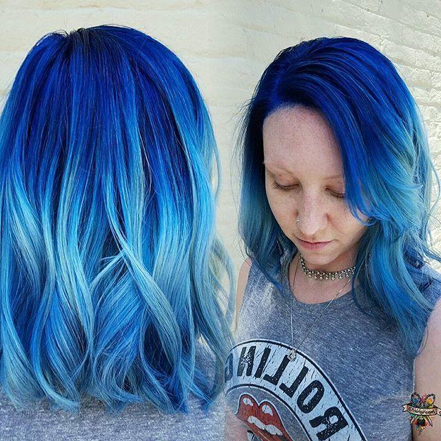 Sea level  deep blue sea ↪️nightfall and velvet ↪️shoreline clear powder ↪️ends powder and a dab of nightfall @pulpriothair #pulpriothair #brazilianbondbuilder #b3 #behindthechair #modernsalon #beautylaunchpad #hotonbeauty #americansalon #hairbykaseyoh #fiidnt
