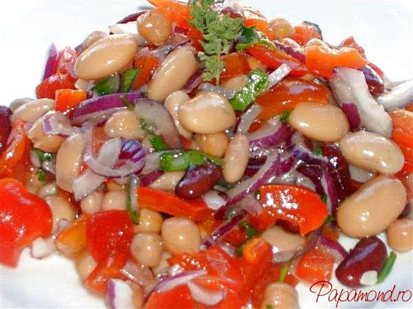 Salata de fasole boabe a fost pe undeva, vitregita de preocuparea gastronomica, desi a existat dintotdeauna si la noi Salata de fasole boabe