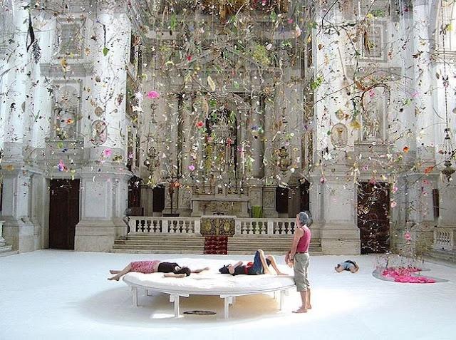 FALLING_GARDEN_GerdaSteiner_JorgLenzlinger_San_Sta_church_on_the_Canale_Grande_50th_Biennial_of_Venice_2003.jpg