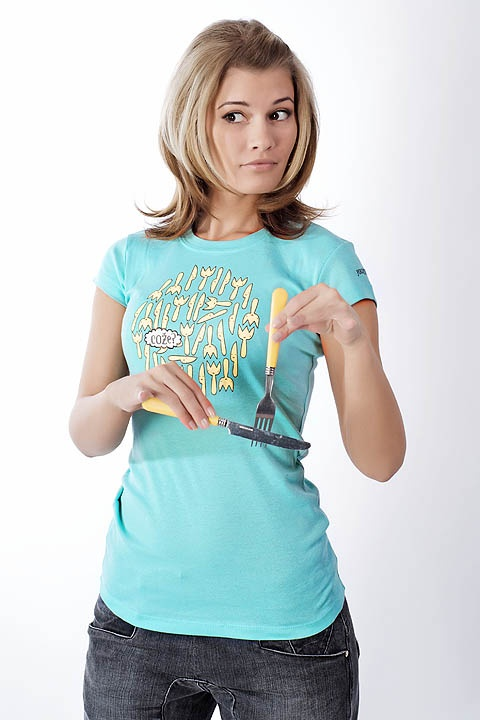 http://www.youngprimitive.cz/fashion/damske-tricko-vidlicky-a-noze-964: forks and knives T-shirt