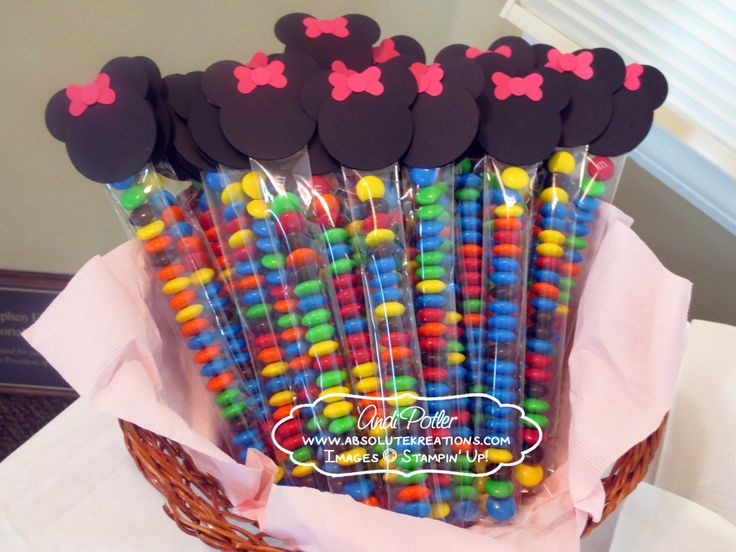 Minnie mouse party pictures minnie mouse m favors andi for Baby minnie mouse party decoration