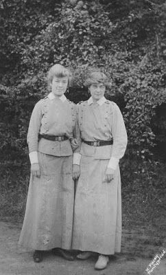 Olive Tree Genealogy Blog: Nursing Sister WW1 Photo Album: L 17 Two Women
