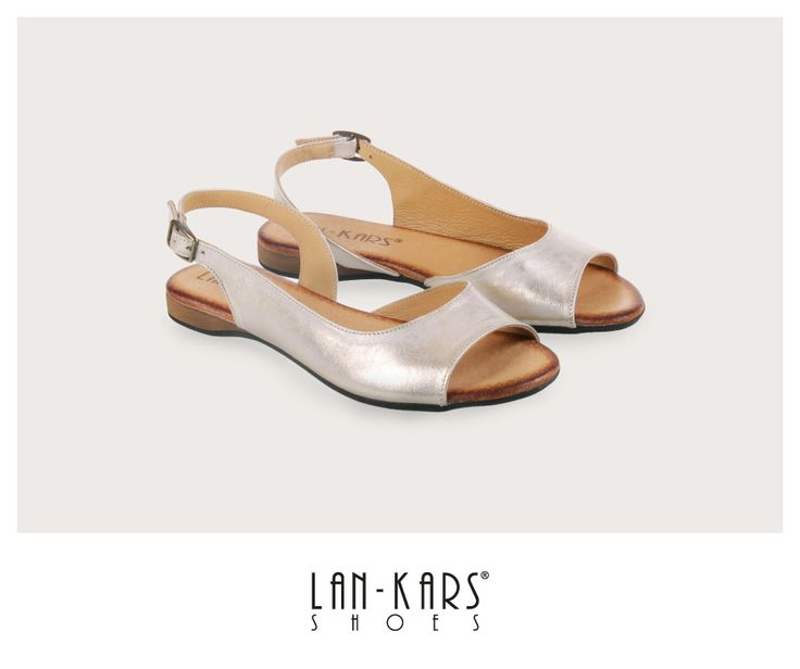 Połyskujące, lekkie sandałki!  #sandals #silver #metalic #style #fashion #shoes #leather #lankars