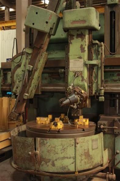 1982 TOS Manual or Conventional Lathe model Vertical Turret Lathe for sale at Mumbai in India