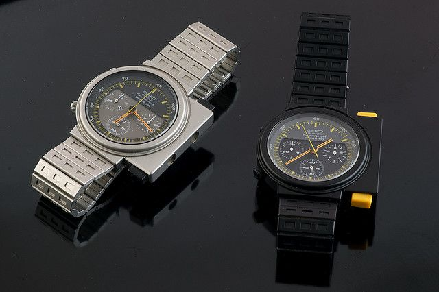 """Vintage Seiko Giugiaro watches (7A28 movement) from the film """"Alien"""" where all caracters wear one. Ripply wears the one on the left..;o)"""