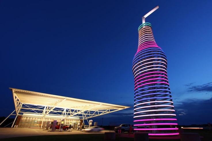 This large soda bottle stands 66 feet tall and weighs more than four tons. It towers over a futuristic building in Arcadia, Oklahoma, which is home to POPS restaurant, soda ranch and shake shop.