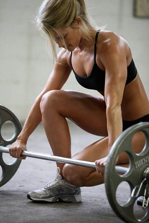 Fit girl with weights. LIFT WEIGHTS IF YOU WANT TO LOOK FIT AND HOT. Running will just make you thin. You want to be FIT. #fitspo #fitspiration #fitisthenewthin