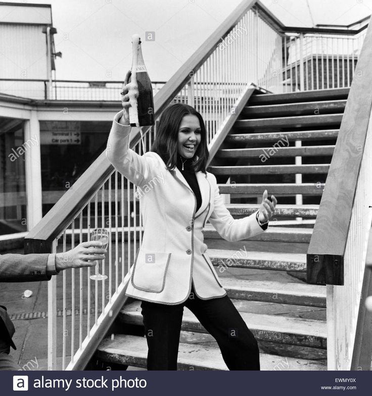 """French singer Anne-Marie David, winner of the 1973 Eurovision Song Contest representing Luxembourg with the song Tu te reconna""""tras, pictured arriving at London airport after the competition. 24th April 1973."""