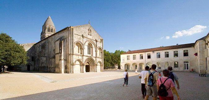 10 incontournables - Saintes et la Saintonge - Office de Tourisme - Ville de Saintes - Art Roman