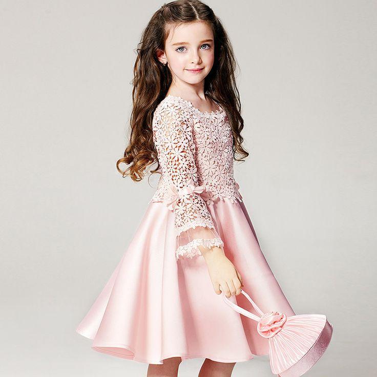 Anak perempuan akan semakin terlihat cantik ketika dia mengenakan baju yang sesuai. Lantas seperti apa sih baju anak perempuan yang…
