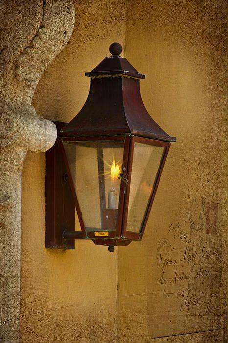 Carriage Light on historic Charleston, SC home.