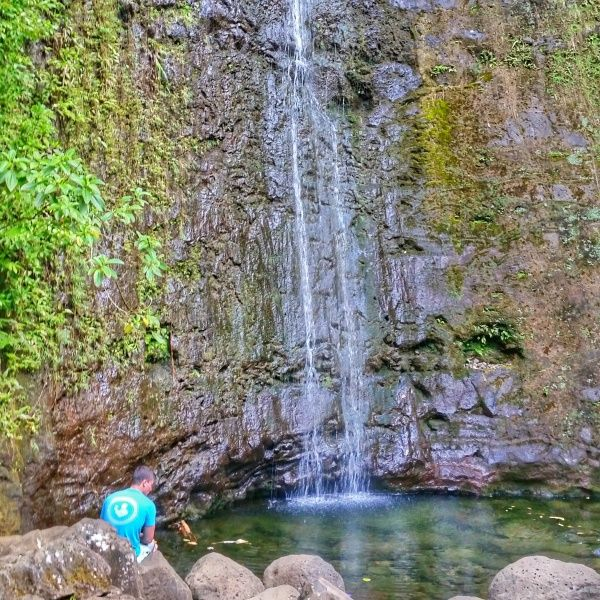 Popular waterfalls hikes in Oahu and things to do in Oahu during Hawaii vacation where you can go hiking and swimming, with Oahu map!